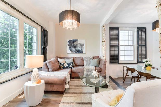 نماهای بیرونی و داخلی خانه ۱۰۰ ساله که ظرف ۵ روز ۱۷۰ هزار دلار بالای قیمت پیشنهادی فروخته شد
