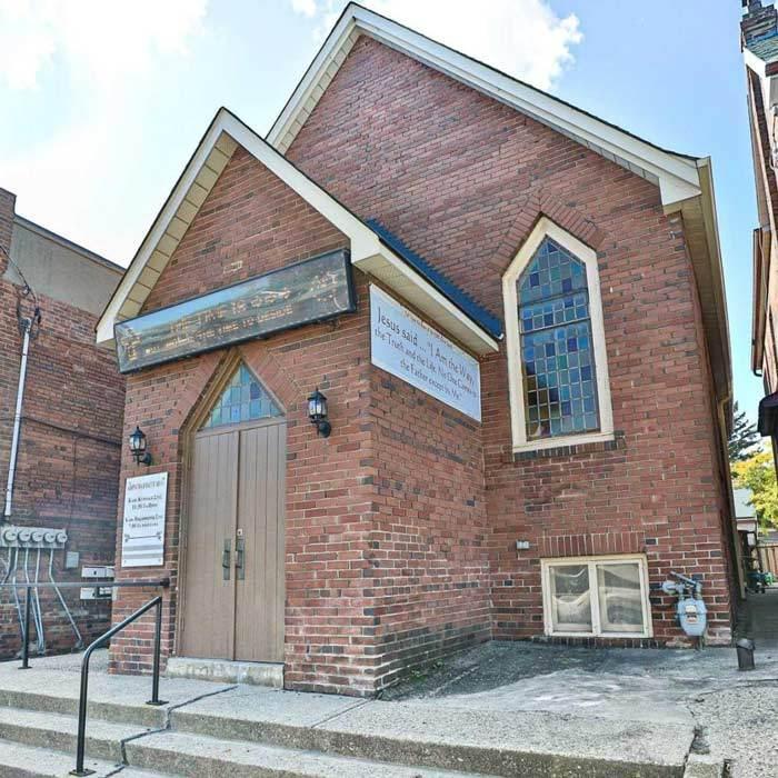 تصاویری از کلیسای فروشی در تورنتو