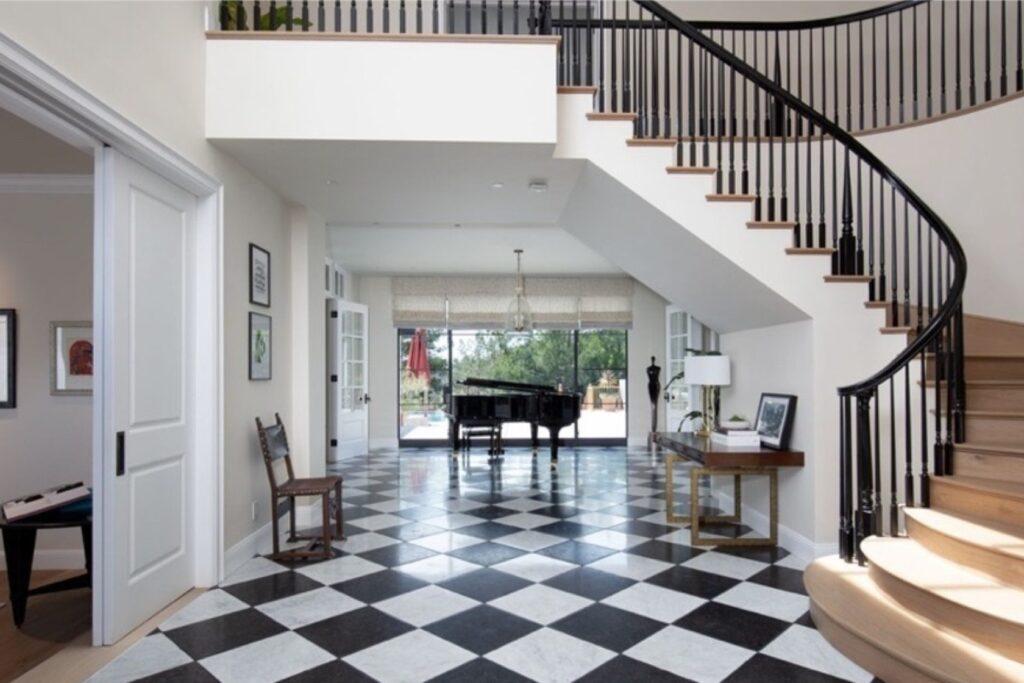 جاستین بیبر کانادائی خانهای در بورلی هیلز را با تخفیف باورنکردنی خرید